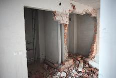 демонтаж стен, демонтаж кирпичных стен,