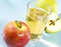 Яблочный уксус можно приготовить самостоятельно.