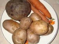 Овощи, приготовленные в микроволновой печи.