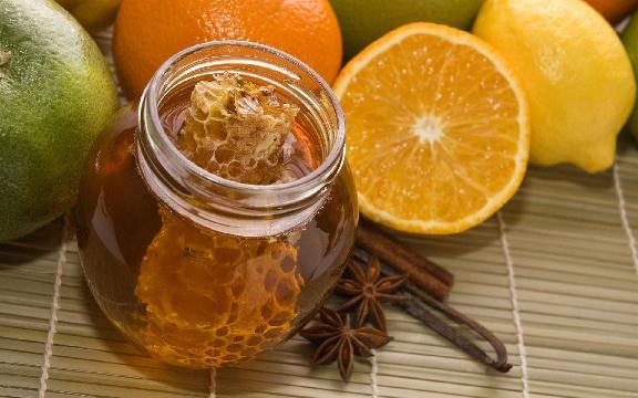 Мёд, корица. апельсины