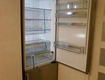 Дверка холодильника справа