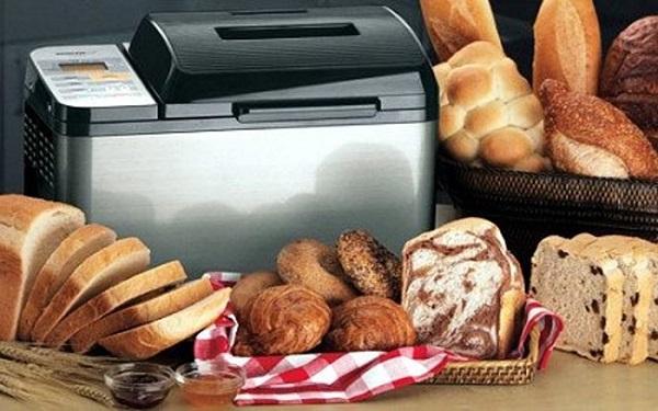 Готовый хлеб из хлебопечки