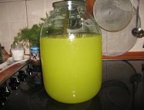 Апельсиновый сок в банке
