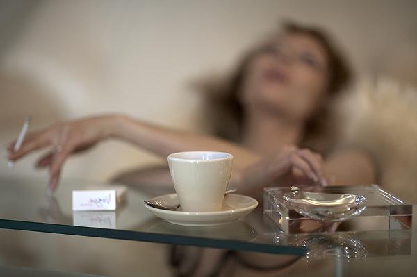 Курение и кофе плохо влияют на зубы