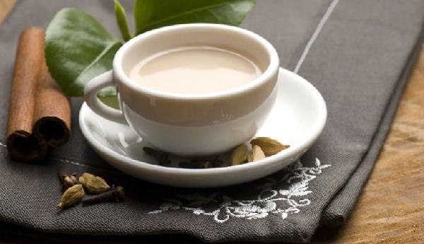 Молочный имбирный чай