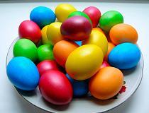Как покрасить яйца на Пасху своими руками в домашних условиях?