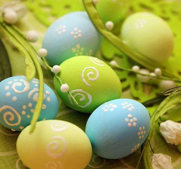 Яйца с рисунком сахарной пудрой