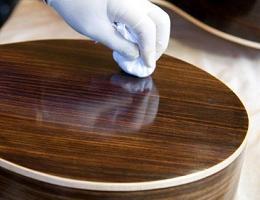 Как сделать полироль для мебели своими руками?