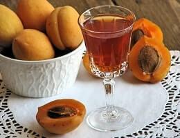 Домашний абрикосовый ликер