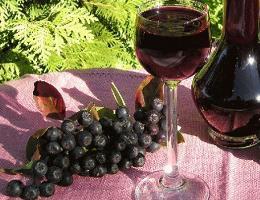 Вино из черноплодной рябины в домашних условиях. Простой рецепт без дрожжей. Как сделать?