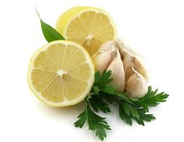 Петрушка, лимон и чеснок