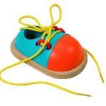 Развязываются шнурки