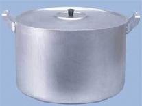 Чистим алюминиевую кастрюлю