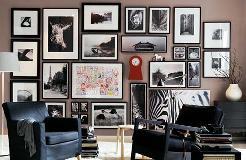 Картины хорошо дополняют интерьер комнаты.