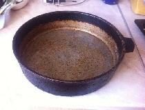 Нагар на чугунной сковороде
