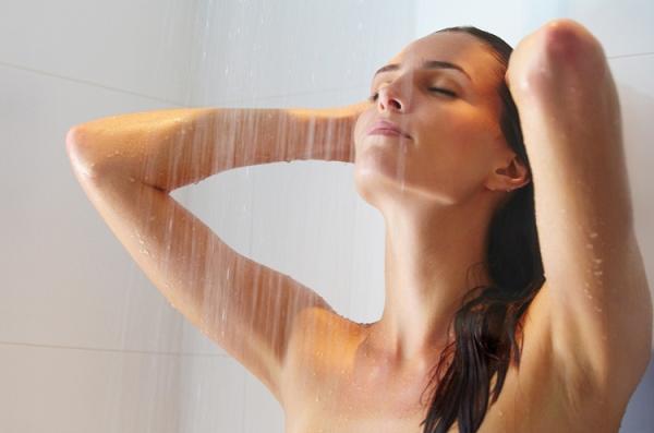 Примите тёплый душ, чтобы быстро заснуть