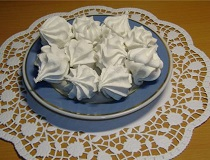 Домашний зефир на тарелке