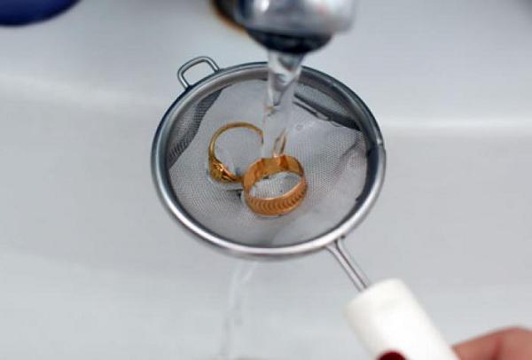 Промываем золото после чистки