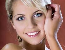 Как отбелить зубы в домашних условиях быстро и эффективно?