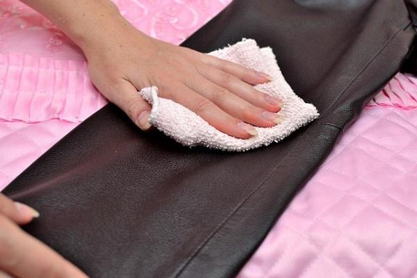 50c883ca3347 Как почистить кожаную куртку в домашних условиях от грязи и ...