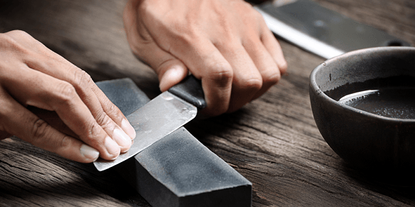 Заточка ножа на бруске
