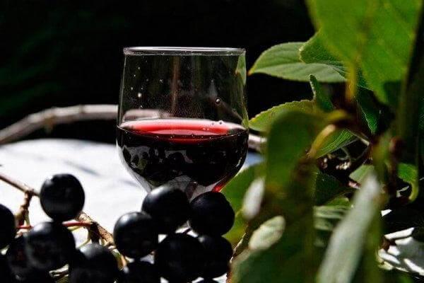 Готовое вино из черноплодки