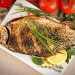 Как пожарить рыбу с хрустящей корочкой с мукой и в кляре на сковороде?