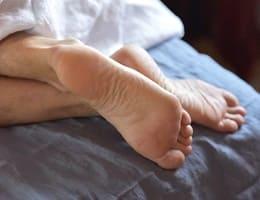 Как избавиться от судорог в ногах?