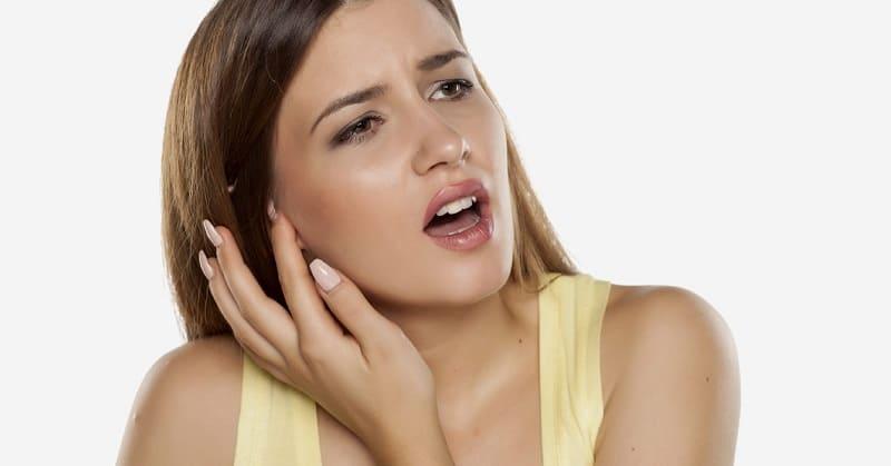 Как вылечить ухо, если продуло?