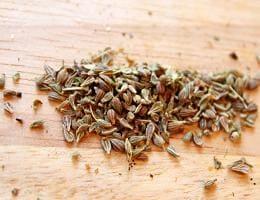 Семена аниса от урчания в животе