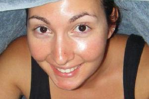 Как бороться с жирным блеском на лице?
