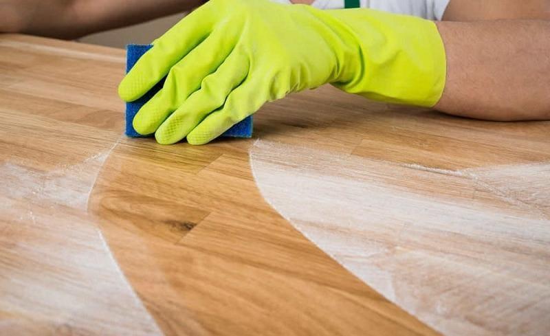 Уборка пыли с мебели