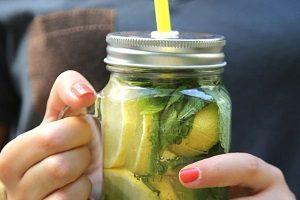 Детокс вода с лимоном