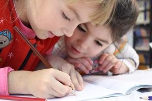 С чего начать учить детей рисовать?