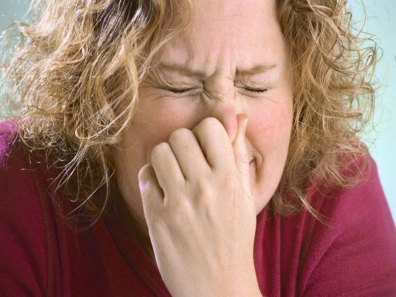 Почему нельзя чихать с закрытым ртом?