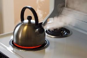 Можно ли кипятить воду в чайнике несколько раз?