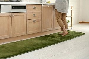 Как отстирать ковровую дорожку?