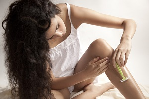 Удаление нежелательных волос на ногах