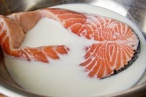 Вымачивание рыбы в молоке