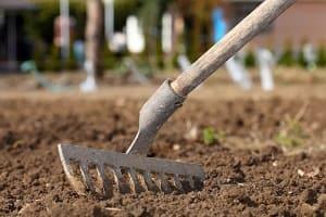 Обработка почвы на участке