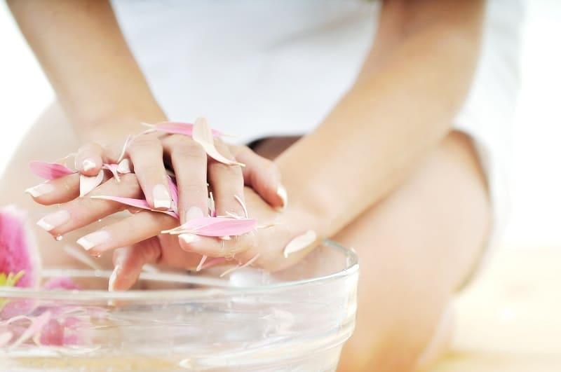 Как сделать домашний укрепляющий кондиционер для ногтей?