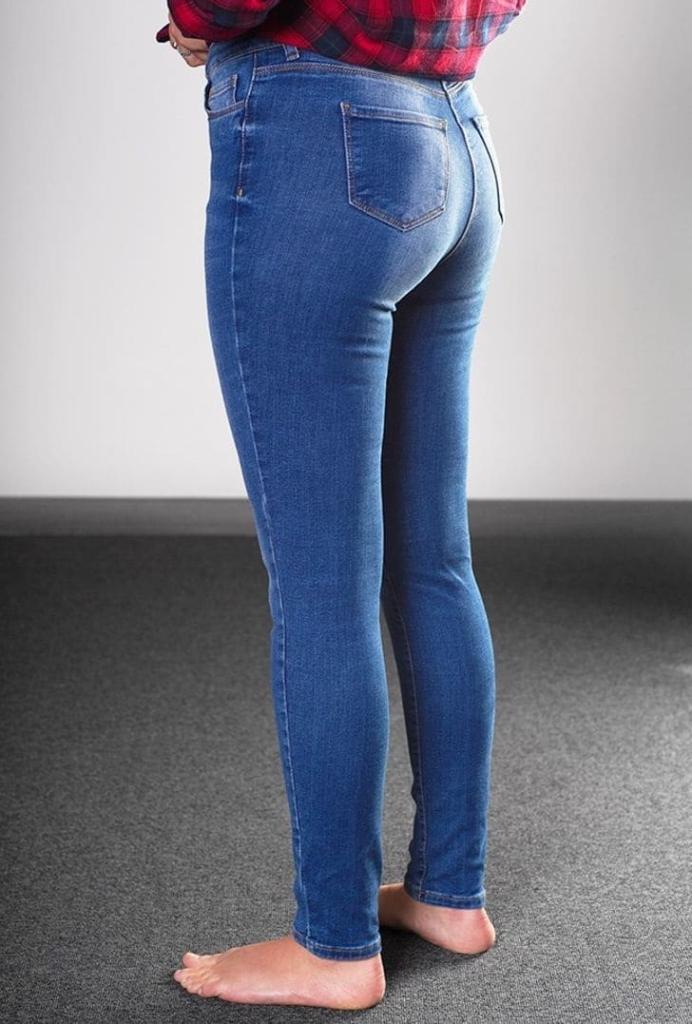 Как выбрать джинсы без примерки женщине?