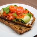 Полезный бутерброд с лососем