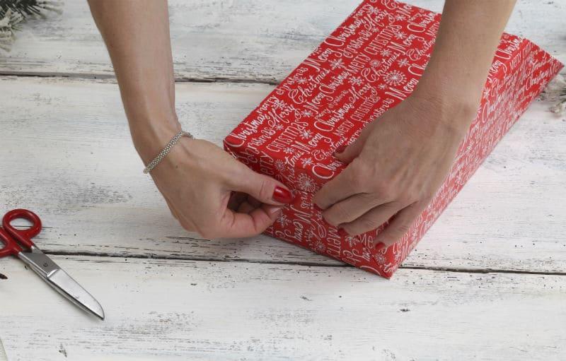 Как упаковать подарок? Шаг №3