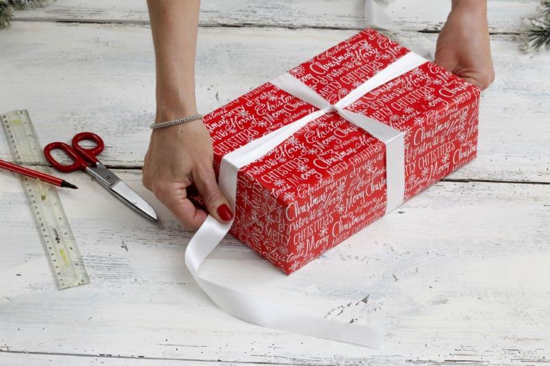 Как упаковать подарок? Шаг №4