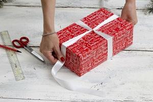 Упаковка подарков своими руками на Новый год