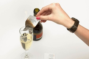 Желание на новый год с шампанским и бумажкой
