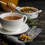 Кладём мёд в чай