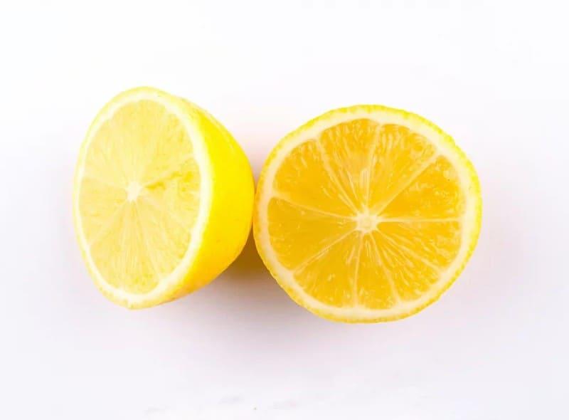 Половинки лимона