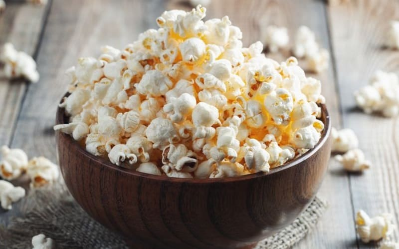 Домашний попкорн в чашке
